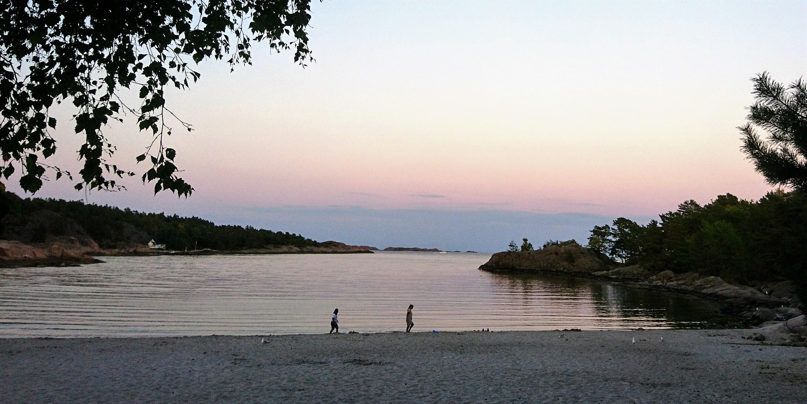 acdb4f1e Storesand må være en av de fineste strendene i Norge. Her finner du  finkornet, hvit sand, omkranset av svaberg og trær.